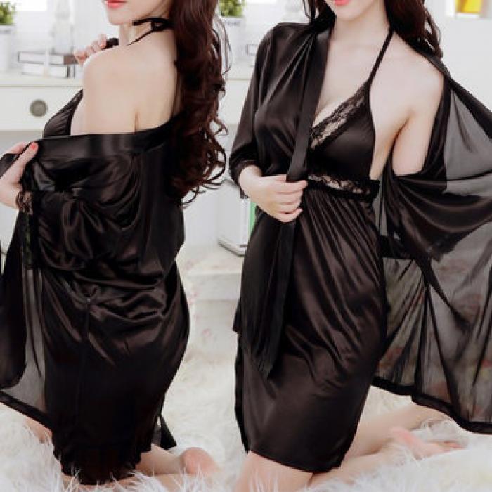 Recherche femme pour essayer des vêtements satin