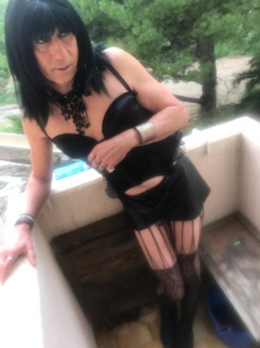 July travestie très chaude
