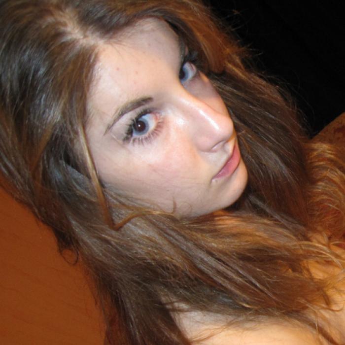 18 ans, précoce dans ma sexualité, ch plan à 3
