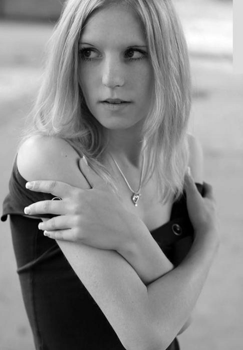 Jolie blonde des Yvelines dispo pour plan sex