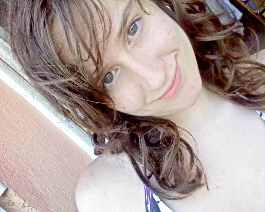 Je suis toute nue devant ma webcam, tu viens voir?